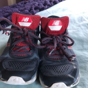 Boys outdoor track shoes. Size 4.5